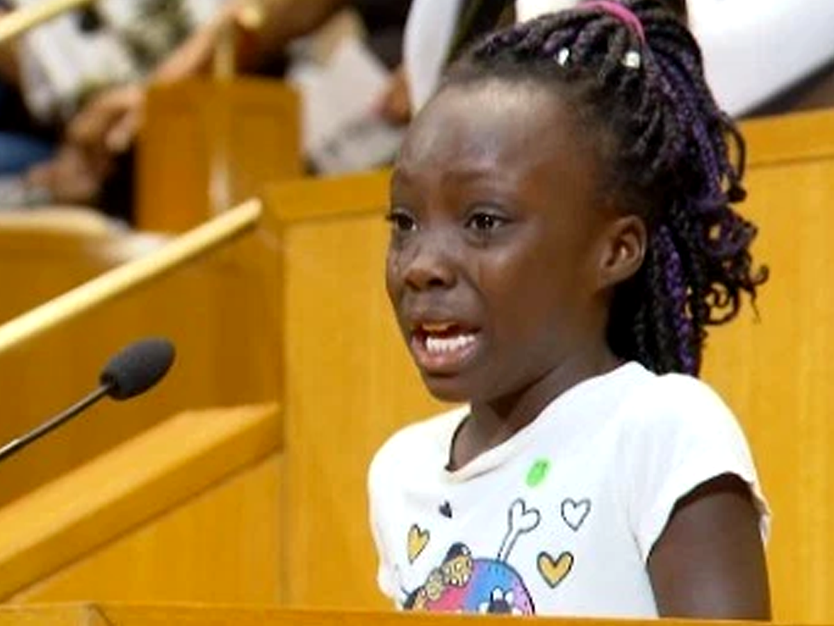 A tearful Zianna Oliphant lectured Charlotte City Council