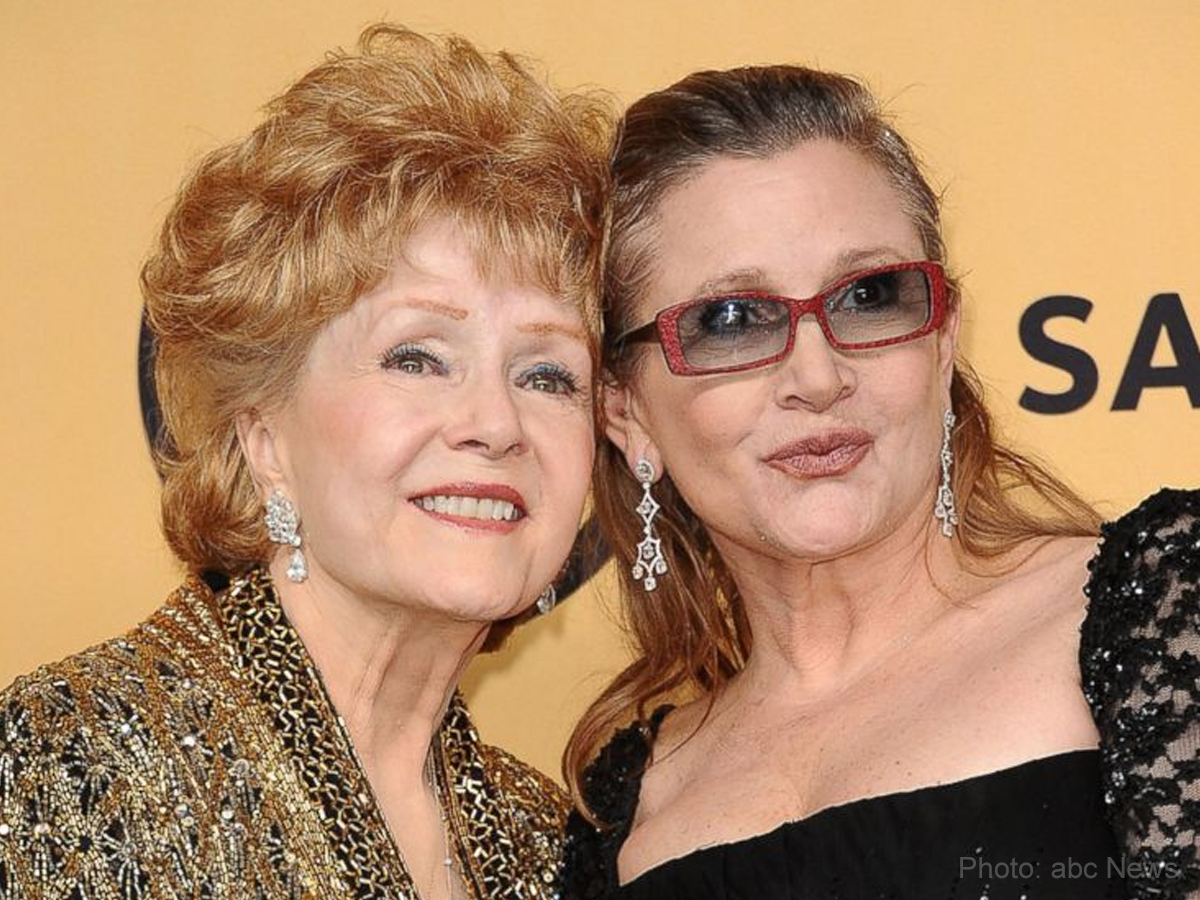 Debbie Reynolds dies a day after daughter Carrie Fisher passes