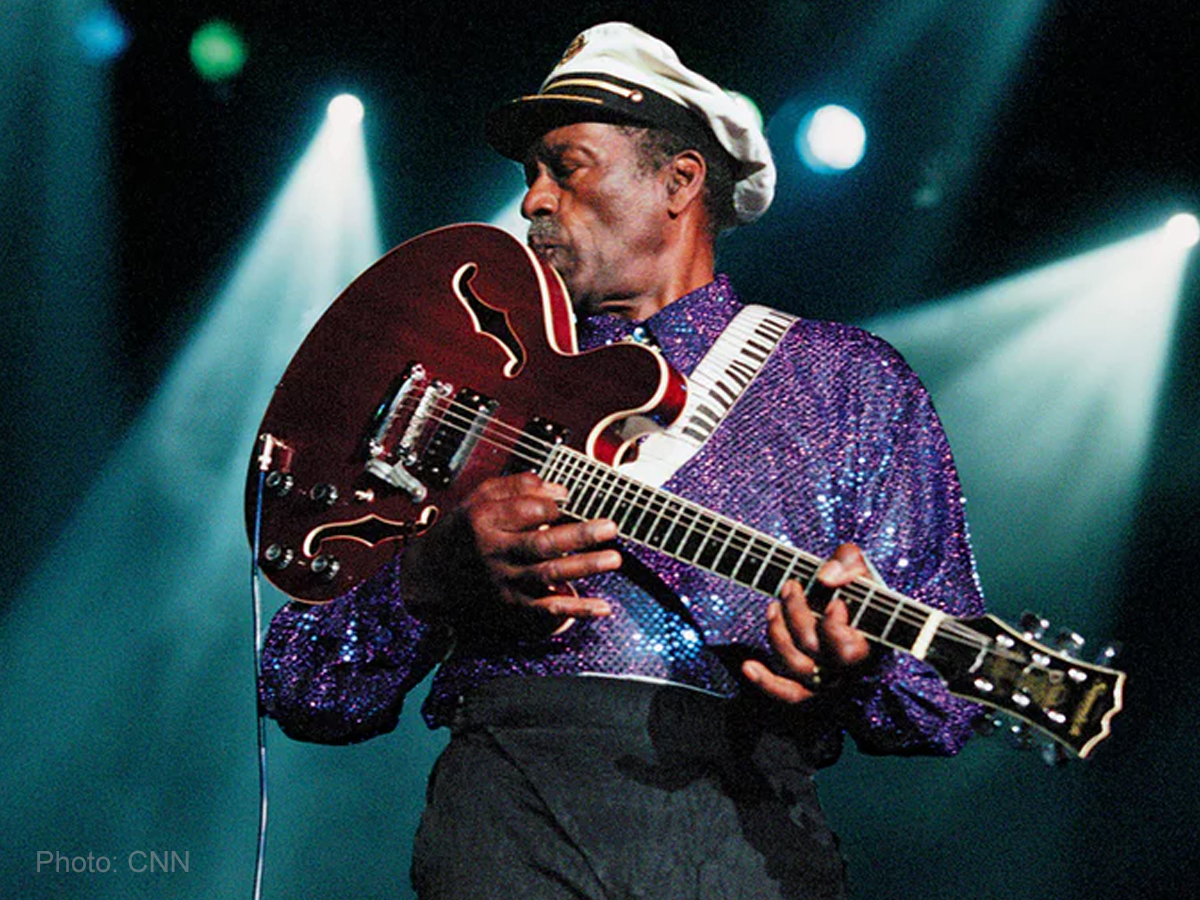Rock 'n Roll legend Chuck Berry dies at 90