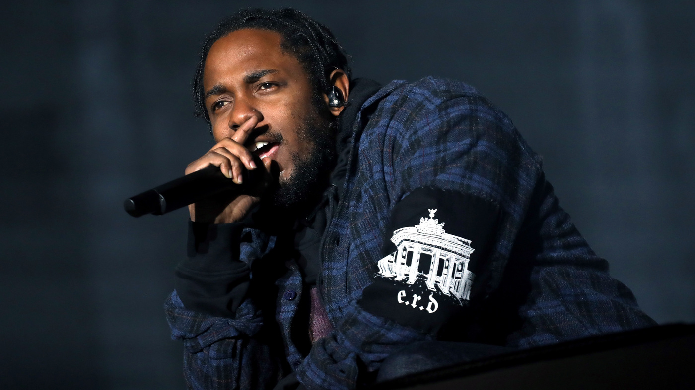 Kendrick Lamar sweeps MTV VMA 2017