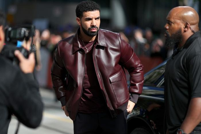 (ENTERTAINMENT) DRAKE CHARITY POSTING IMAGE