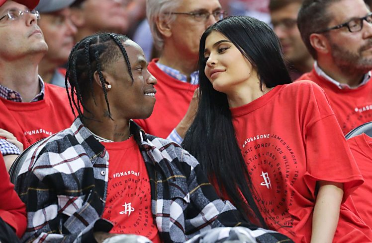 Kylie Jenner officially announces birth of baby girl with Travis Scott