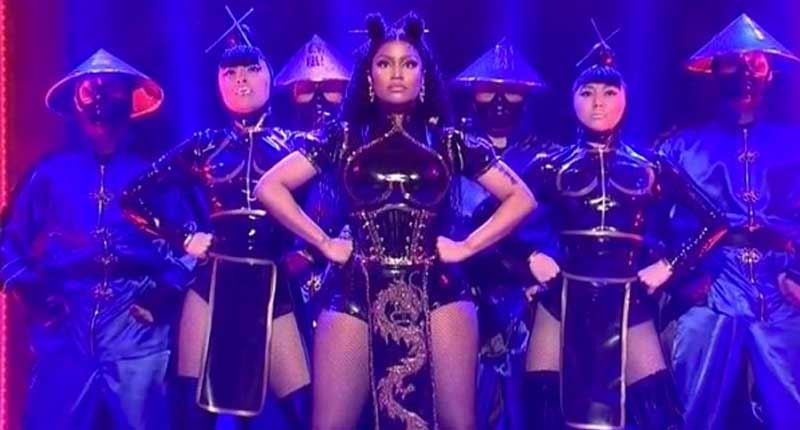 Nicki Minaj Performs at SNL: Introduces New Collaboration