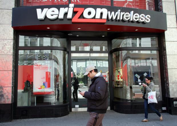 Verizon To Shed 10,400 Jobs by Mid Next Year