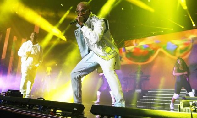 Teddy Riley's 'Emotional' Return to The Apollo in Harlem