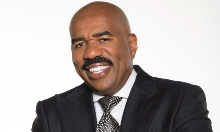 STEVE HARVEY TO HOST NFL HONORS