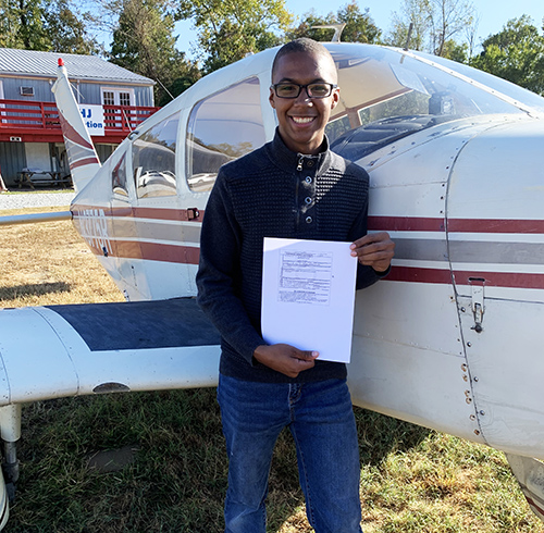 17-Year Old Makes History, Becomes Licensed Pilot Before Graduating High School