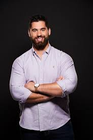 Meet Laurent Duvernay-Tardif: The first medical doctor playing in the NFL